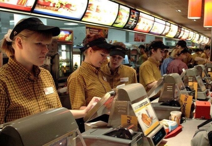 Закрытие McDonalds одобряют 2/3 россиян