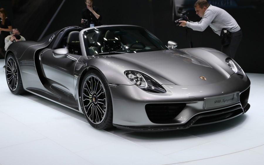 17. «Porsche 918»: годы выпуска с 2013 по 2015 Этот автомобиль не только сексуальный, но и экологиче