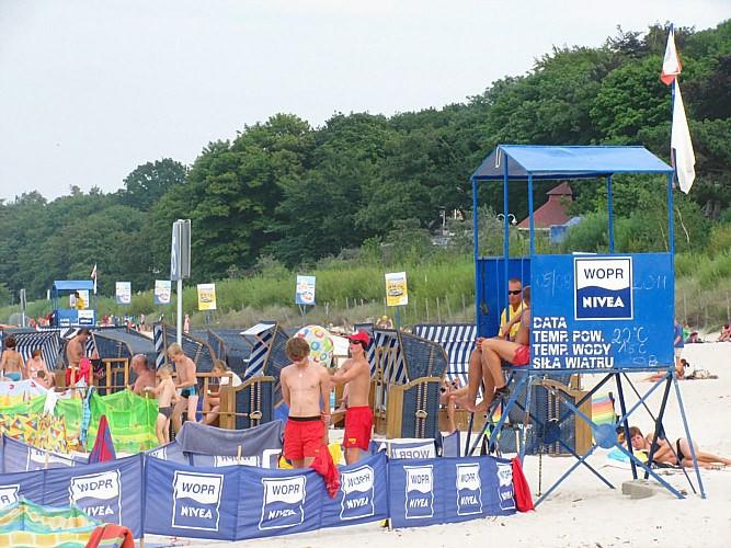 Дикие правила на пляже в Польше: Кто первый огородился, того и пляж!