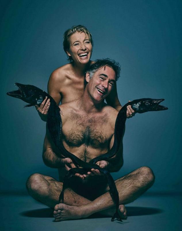 1. Эмма Томпсон с мужем Грегом Уайзом позируют с угольной рыбой-саблей. 2. Джозеф Миллсон.