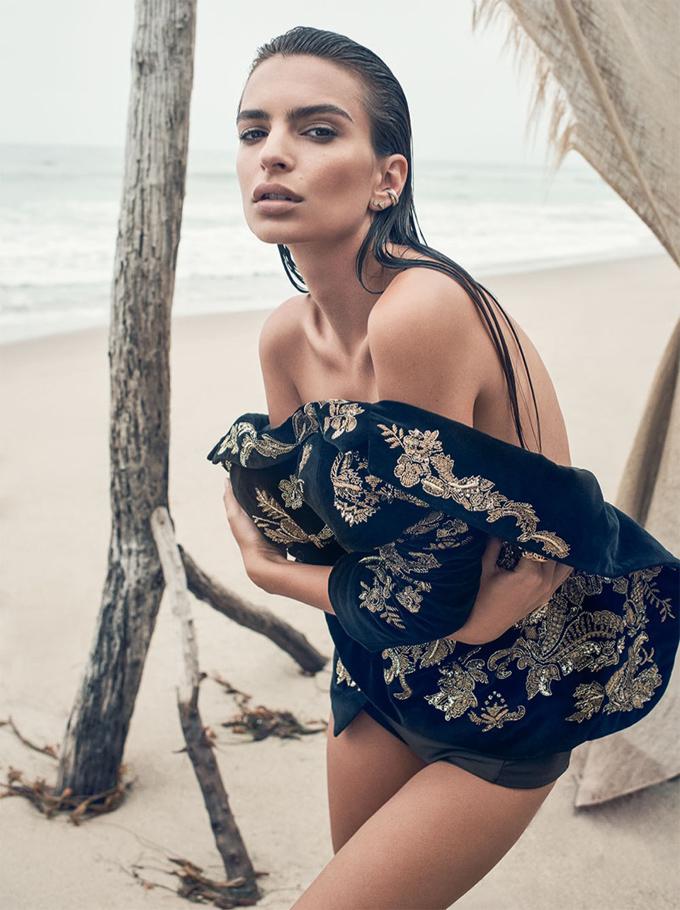 Эмили Ратажковски в C Magazine