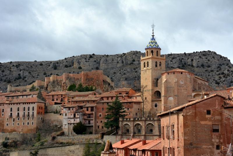 Самые красивые деревни и маленькие города Европы: Альбаррасин, Испания