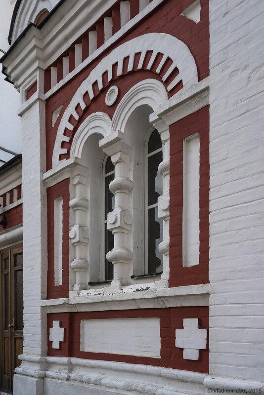 Часовня в память 300-летия Дома Романовых в Новоспасском монастыре
