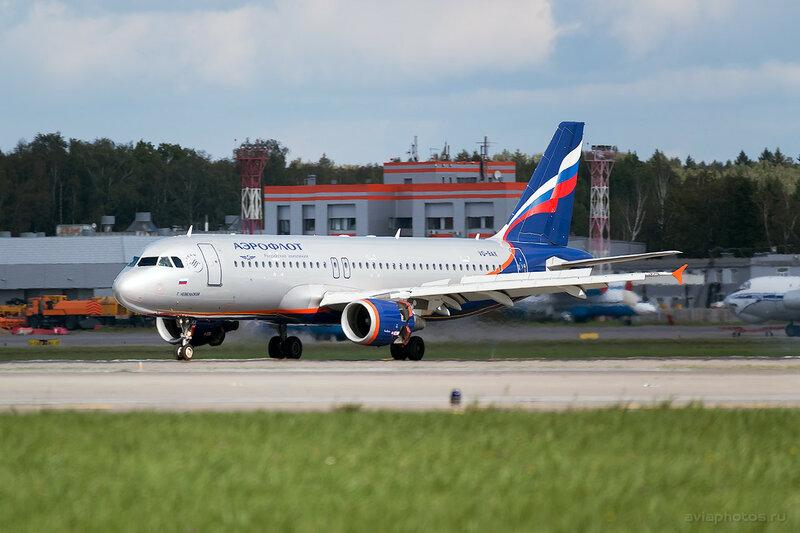 Airbus A320-214 (VQ-BAX) Аэрофлот 213_D807378
