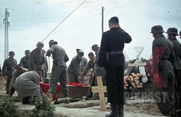 stock-photo-karl-mucher-hinrich-deinert-war-graves-pomezia-italy-1944-26th-panzerdivisionsnachrichtenabteilung-12338.jpg
