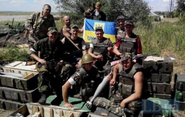 """""""Теплый плов и чтобы никакой войны"""": О чем мечтают украинские защитники в зоне АТО (видео)"""
