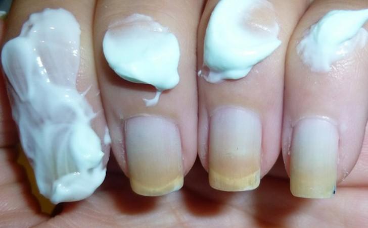 9. Маникюр Если без лака ногти выглядят тусклыми, желтыми, их нужно потереть зубной пастой. Блеск ве