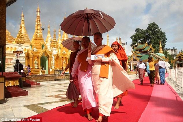 Пагода Шведагон в Бирме. Довольно быстро я обнаружила, что на путешествия требуется не так уж много