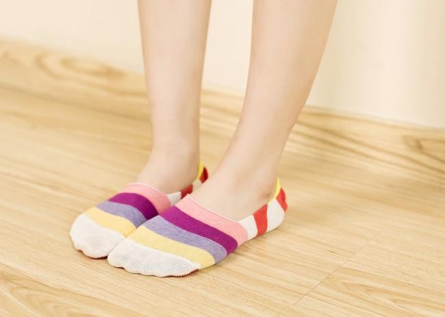 © nbfox1  Рекомендуем захватить наборт самолета пару носков или легкие мягкие балетки. Тогда