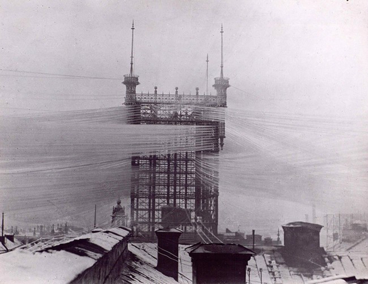 Так в 1890 году выглядела система из 5000 телефонных линий в Стокгольме.