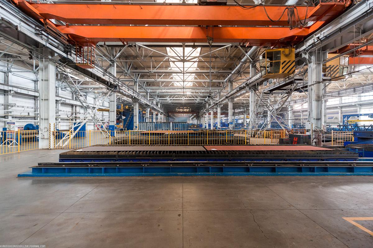 Оказывается завод участвовал в программе строительства подводных лодок из титана. Здесь не делали се