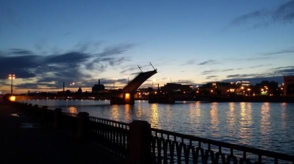 Вночь на2сентября Дворцовый мост разведут под музыку Андрея Петрова