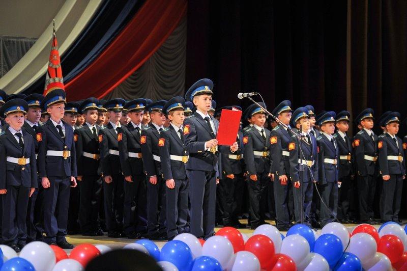 Неменее сотни кадетов присягнули наверность отчизне вСтаврополе