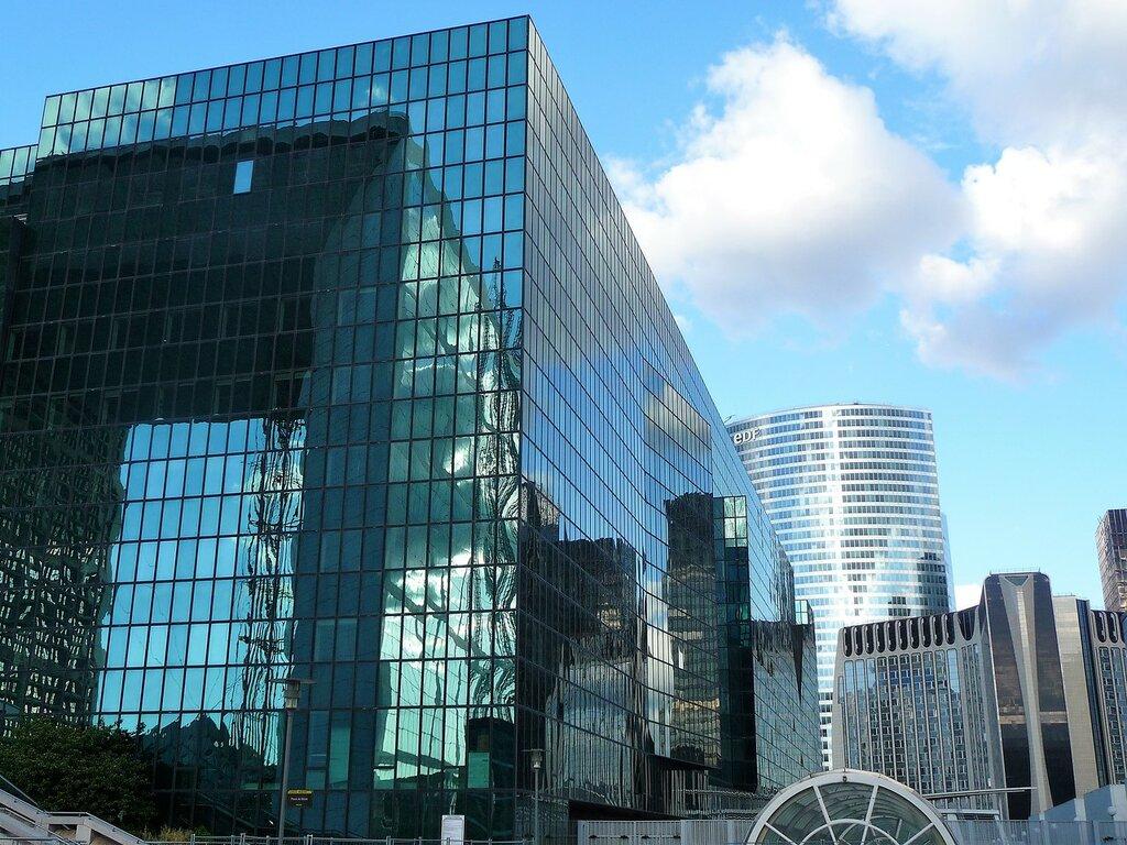 Дефа́нс - «парижский Манхэттен».