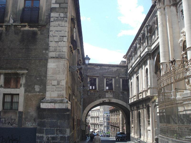 002-арка Сан-Бенедетто.jpg