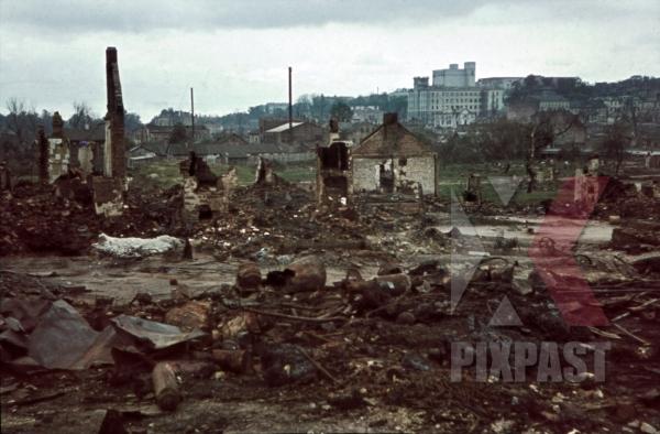 stock-photo-destroyed-buildings-in-minsk-belarus-russia-1941-11257.jpg
