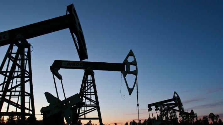 Цены нанефть растут после падения донизшей замесяц отметки