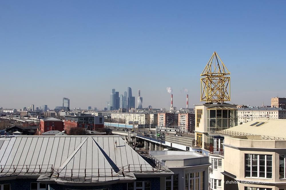 Картинки по запросу 2. Смотровая площадка у нового здания РАН.