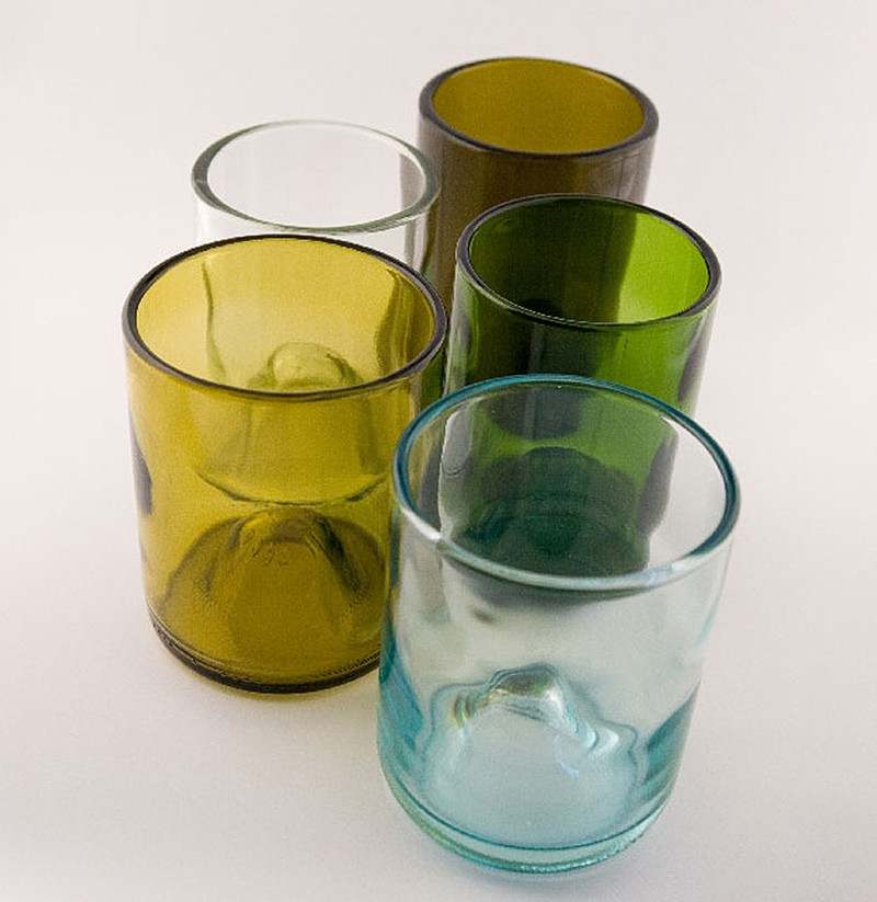 14. Стеклянная посуда. Винные бутылки наиболее прочные благодаря отжигу, а значит, они идеально подо