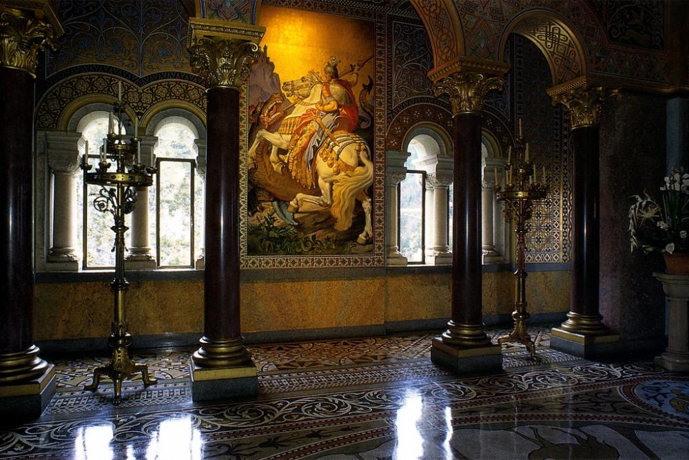 Интерьер замка Нойшванштайн.
