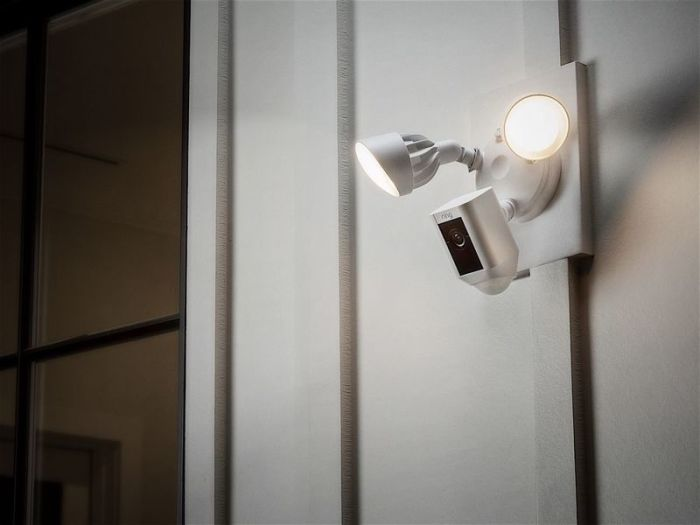 Камера наблюдения Exterior Security Camera Lights Современные технологии позволяют создавать все нов