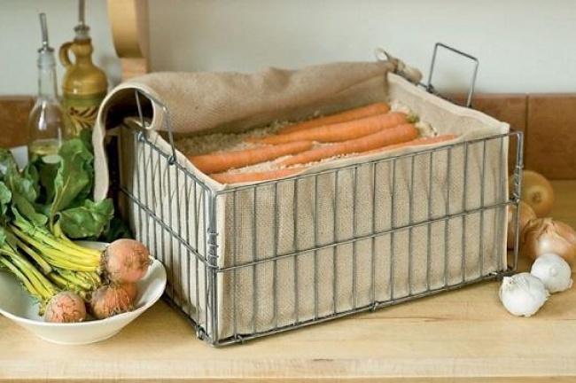 © The52WeekGarden  Хранение моркови впеске очень популярно среди дачников. Инеудивительно, в