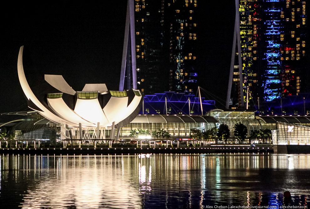 The Fullerton Bay Hotel — это новейшее дополнение к яркой набережной Marina Bay. Отель предлага
