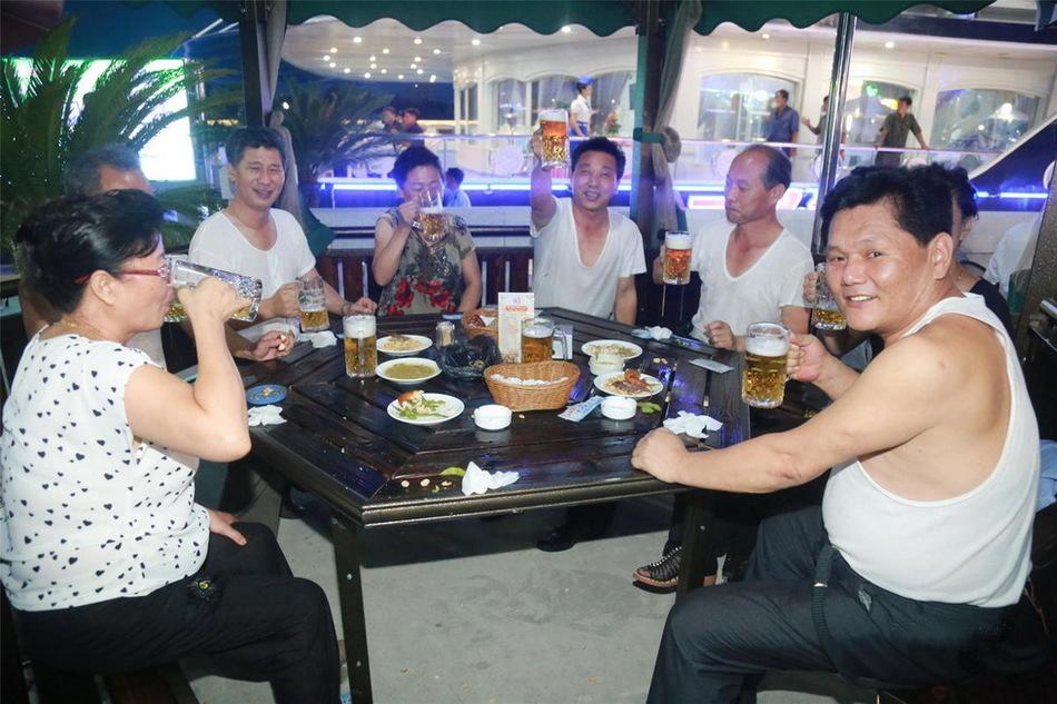 Как прошел первый пивной фестиваль в Северной Корее