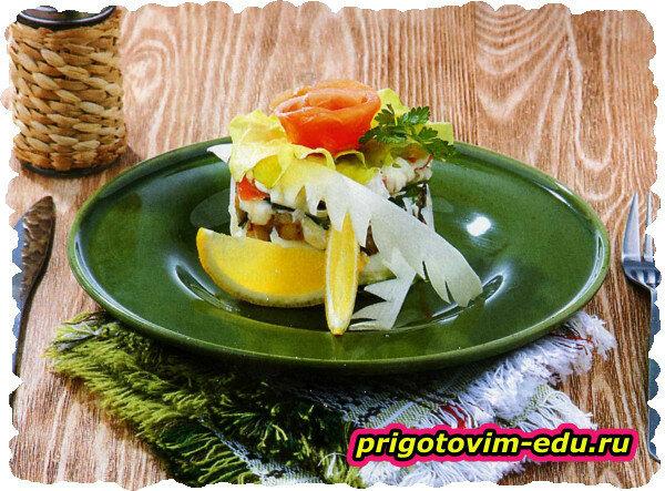 Салат из семги с баклажанам
