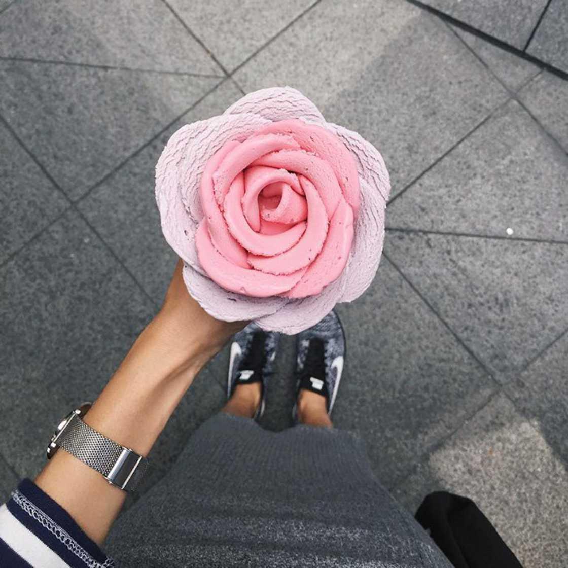 Amazing flower shaped ice cream cornets