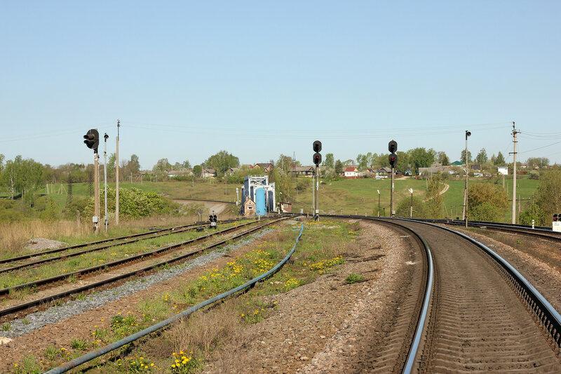 Станция Зубцов, вид на нечётные выходные и мост через реку Вазуза