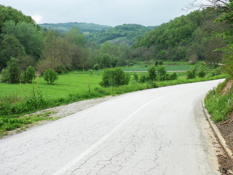 дорога в горах в сербии
