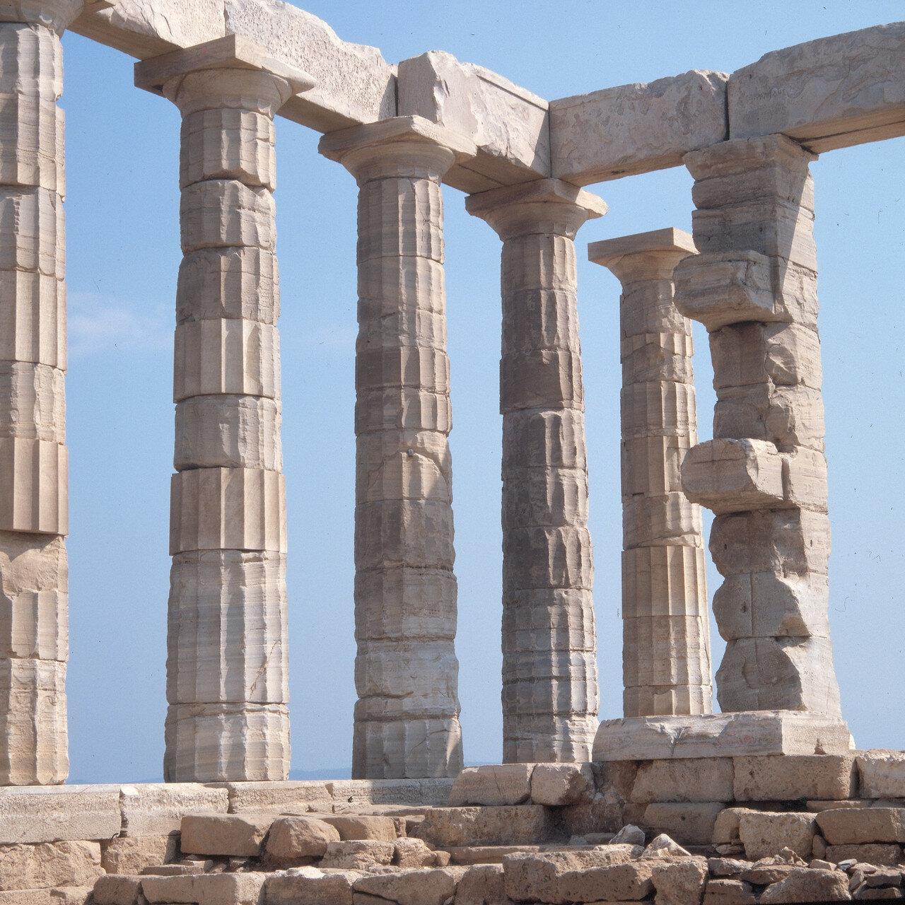 Храм Посейдона. Вид из целлы храма