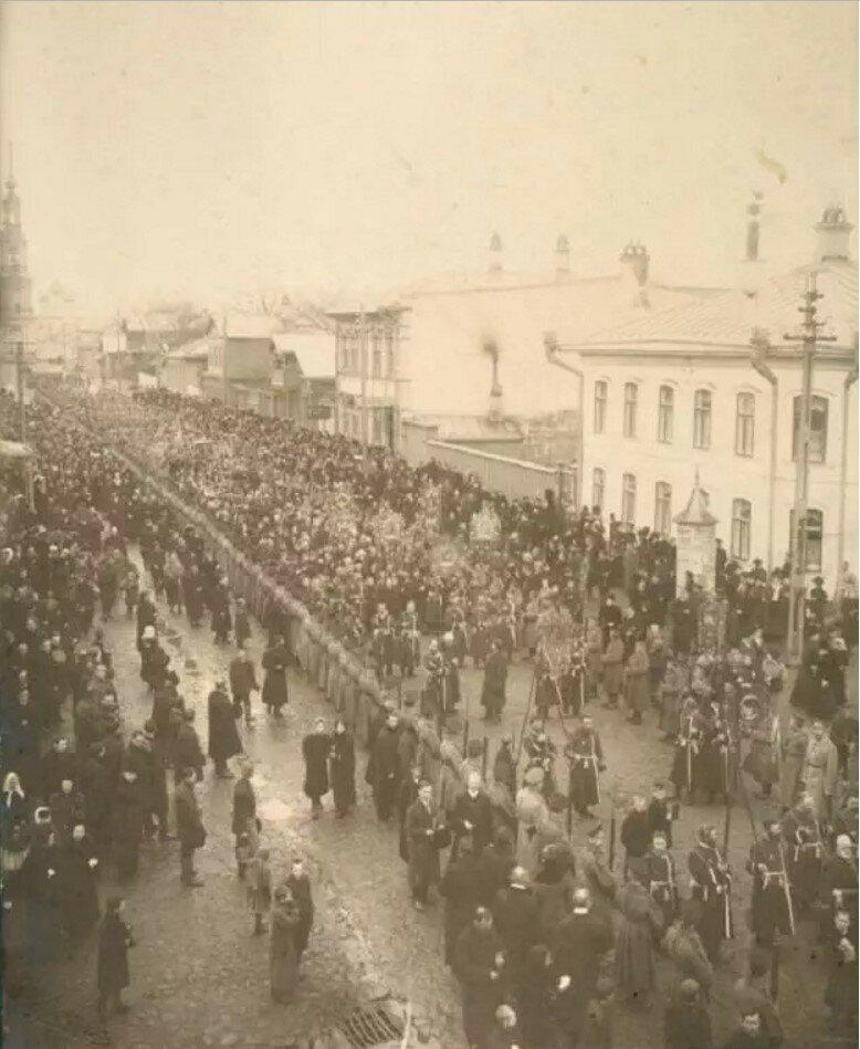 Перенесение плащаницы перед Пасхой 1912
