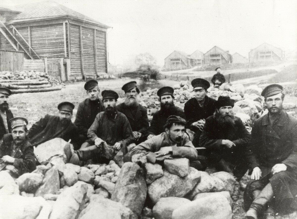 Село Иваново. Строительная бригада