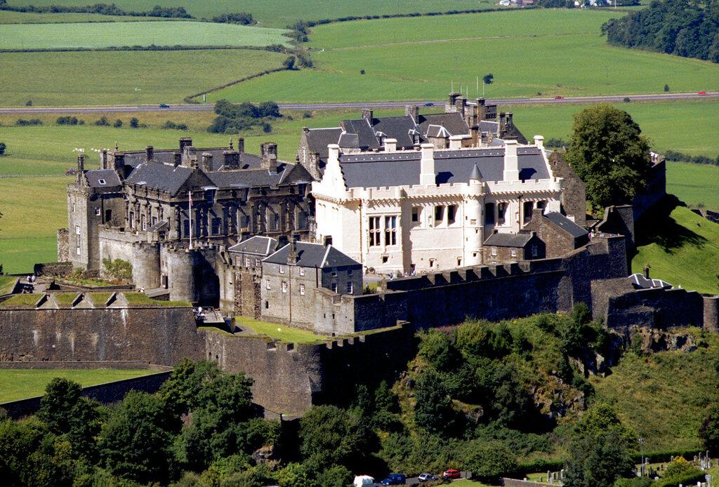 Stirling_Castle_Aerial_Photo.jpg