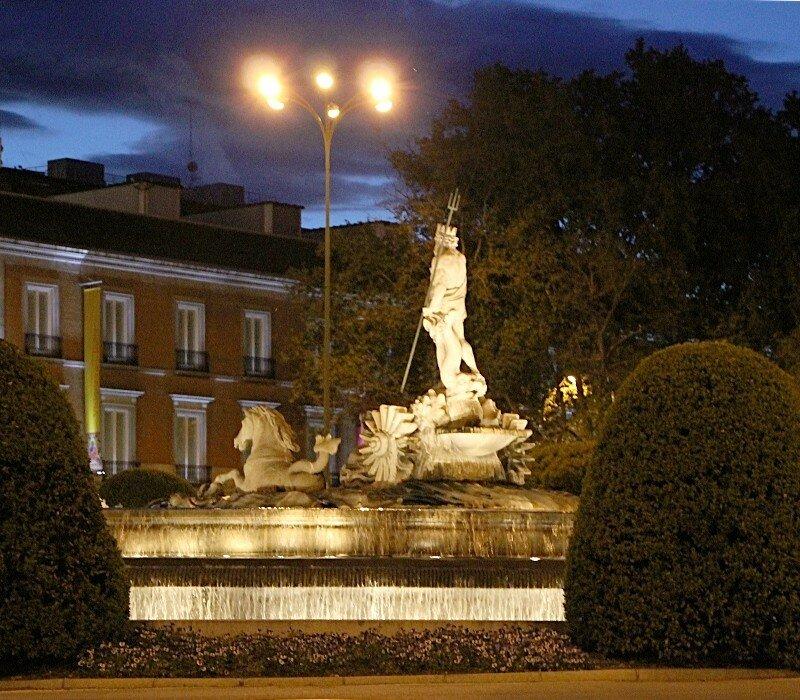 Вечерний Мадрид. Фонтан Нептуна (Fuente de Neptuno)