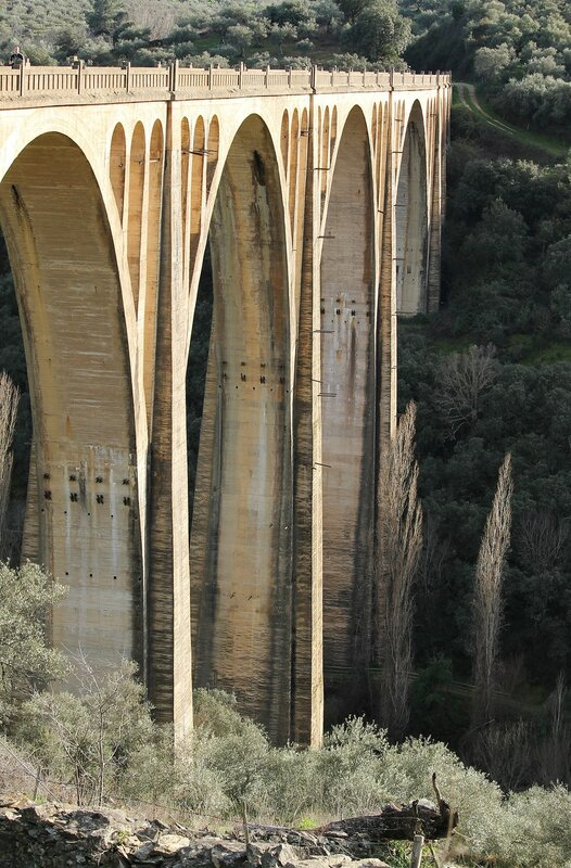Viaduct of Guadalupe (Viaducto de Guadalupe)