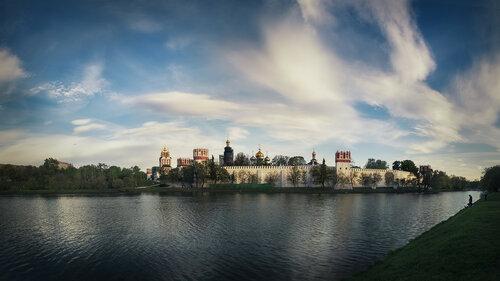 Городские зарисовки. Вид на Новодевичий монастырь.