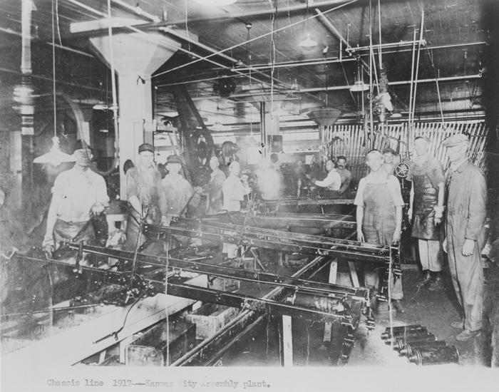 Первый завод сборки автомобилей Ford в Канзас-Сити, штат Миссури, 1917