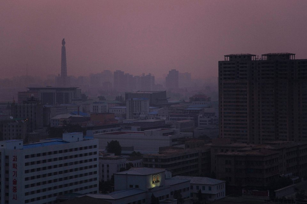 Северная Корея без прикрас в объективе западного фотографа (16 фото)