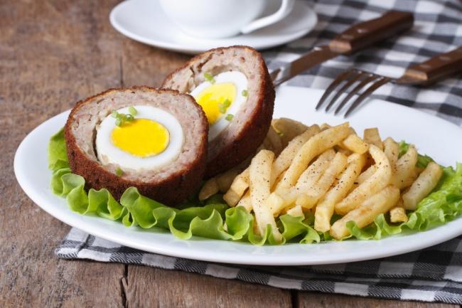 Ингредиенты: 800г фарша 6вареных куриных яиц (можно 12перепелиных) 400г батона 0,5 стакана молок