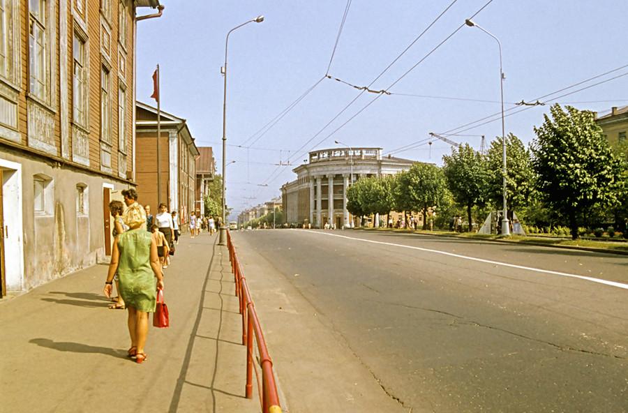Главный проспект города: