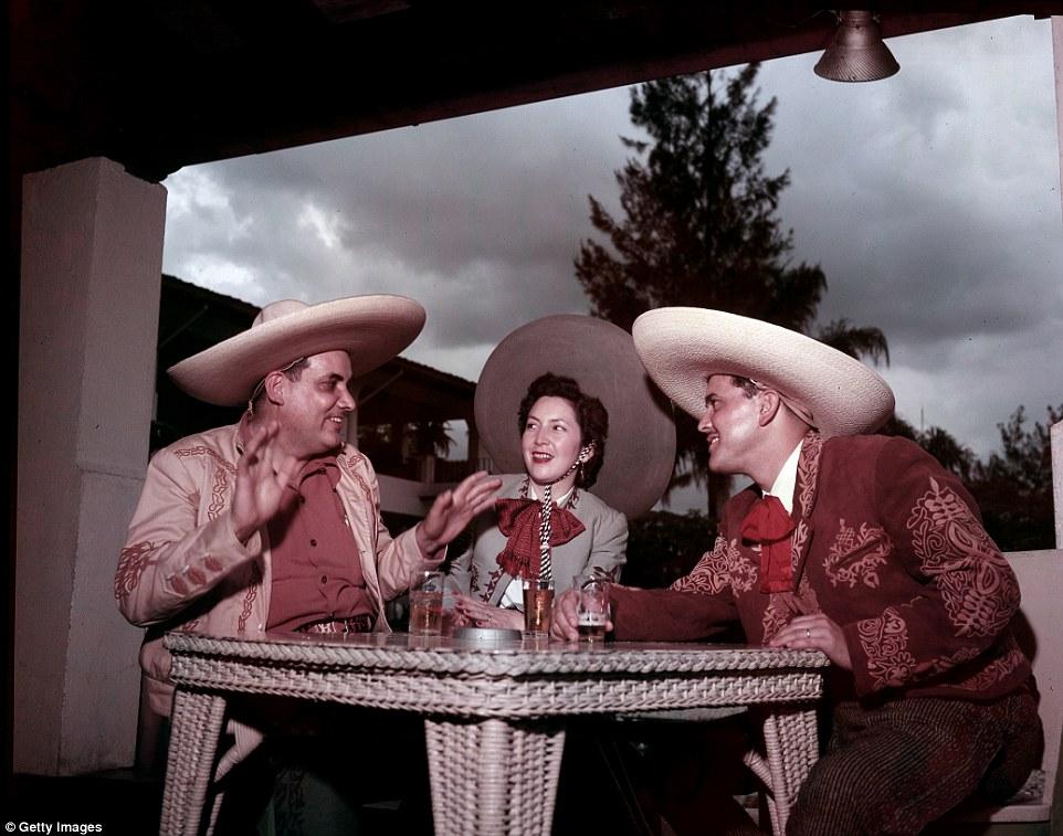 Среди обеспеченных мексиканцев маленький город на тихоокеанском побережье стал популярен еще в 1920-