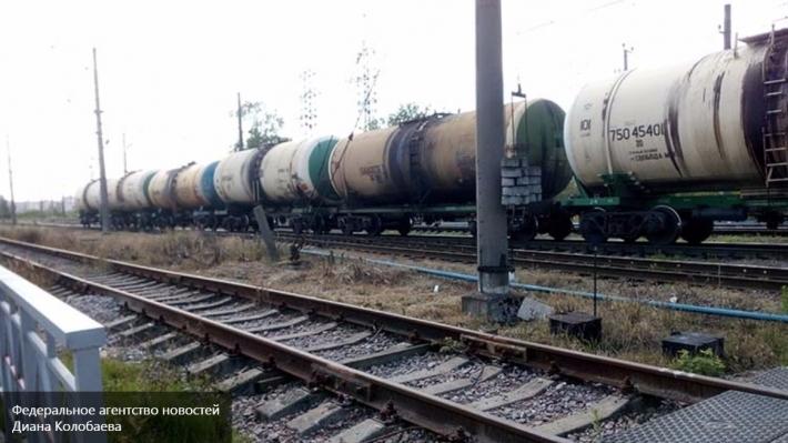 Грузовой поезд сошел срельсов вПодмосковье