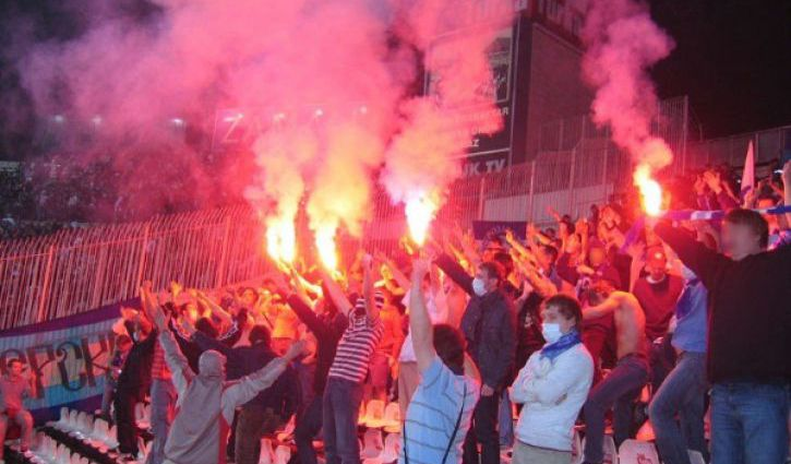 Футбольные матчи вГреции временно отменены