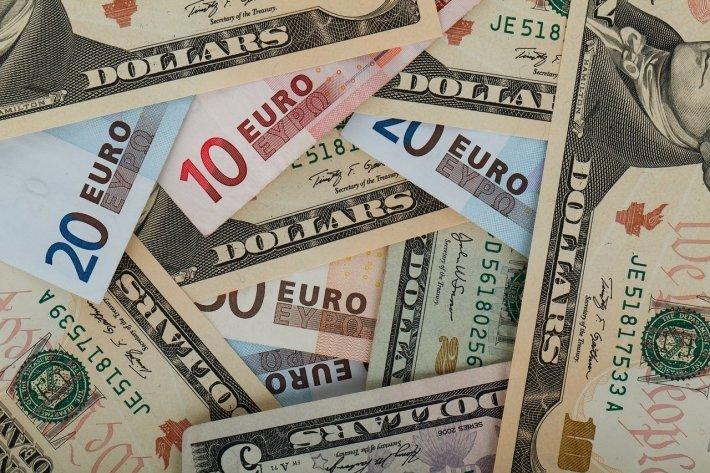 Миноритарии «Юкоса» пытаются выяснить, куда делись деньги отпродажи зарубежных активов