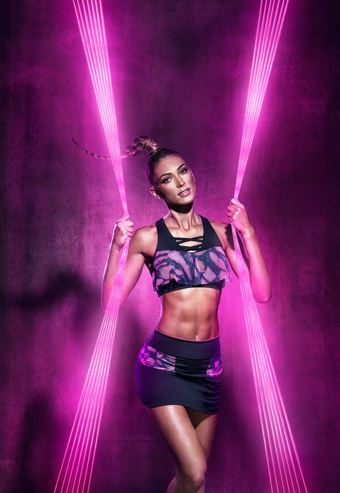 Donna Walk Run Neon Campaign by Miagui