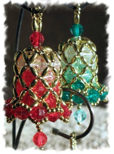 Новогодние колокольчики из бисера