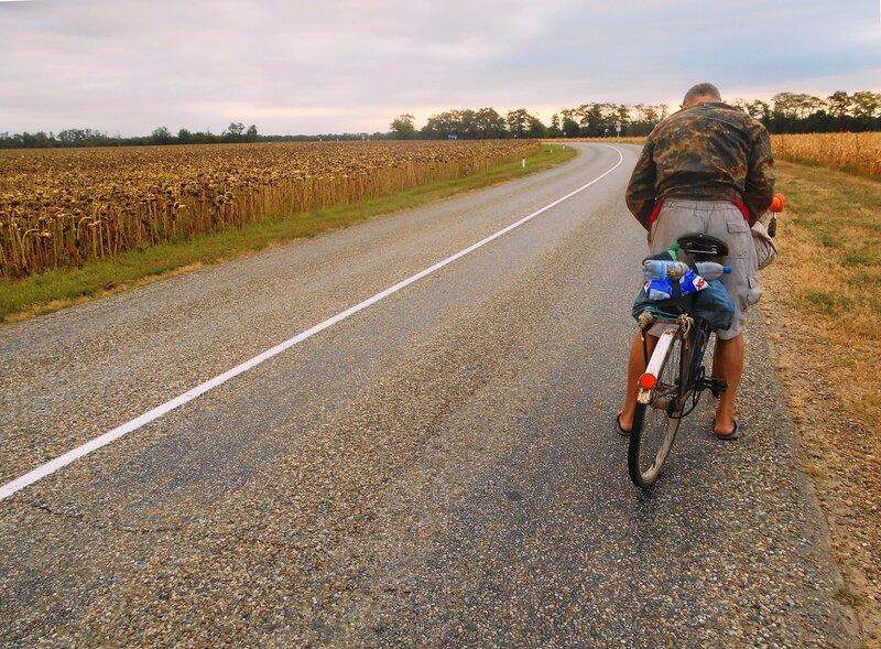 На шоссе, небольшая пауза в движении ... DSCN8872.JPG